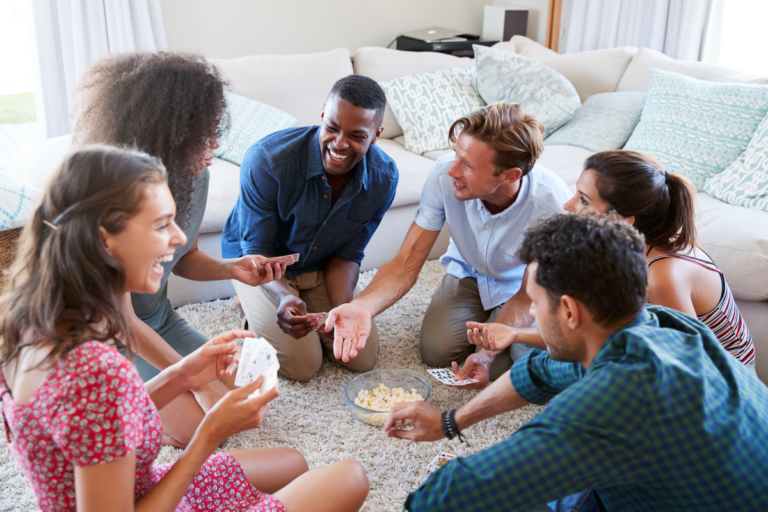 20 juegos divertidos para jugar con amigos