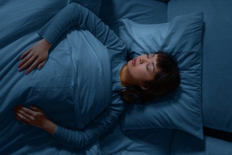 ¿Qué significa soñar que no te puedes mover?