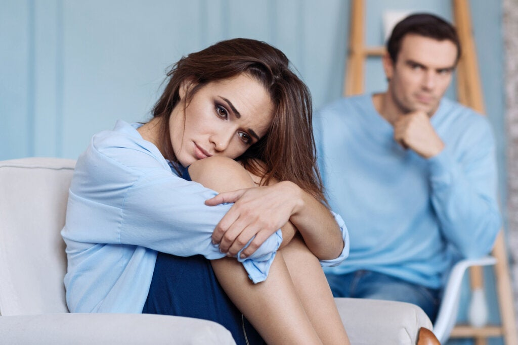 ¿Por qué me siento inferior a mi pareja?