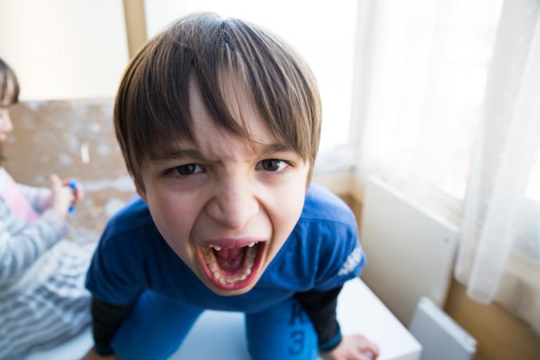 ¿Cómo actuar cuando un hijo tiene ira?