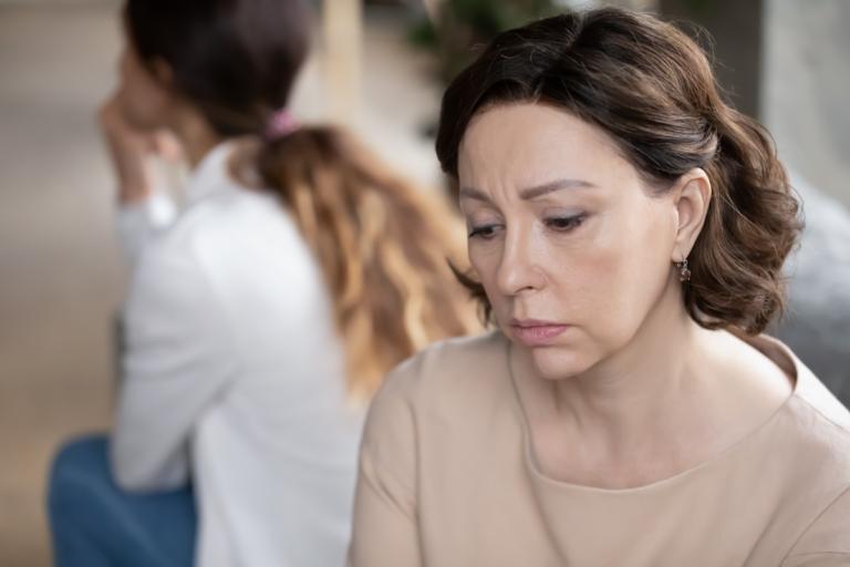 El hijo adulto manipulador: características psicológicas