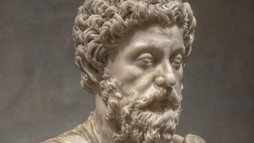 statue for å representere råd fra Marcus Aurelius