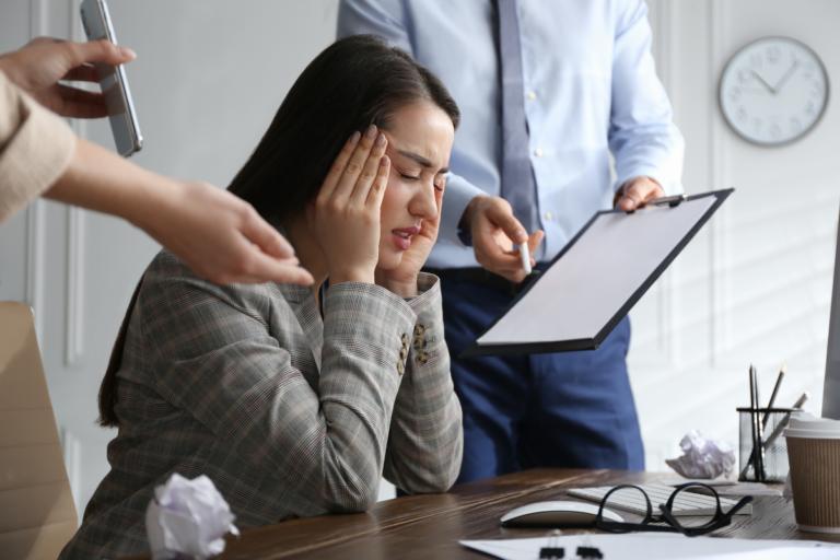 Trabajar bajo presión, ¿habilidad o insensibilización?