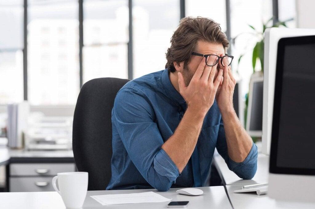 Pourquoi le stress psychologique se produit-il chez les avocats ?