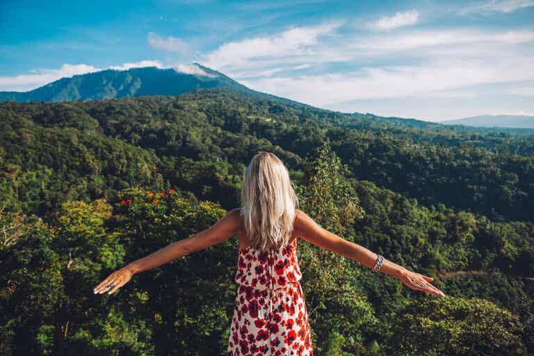 Viajar sin la pareja: una experiencia cada vez más de moda