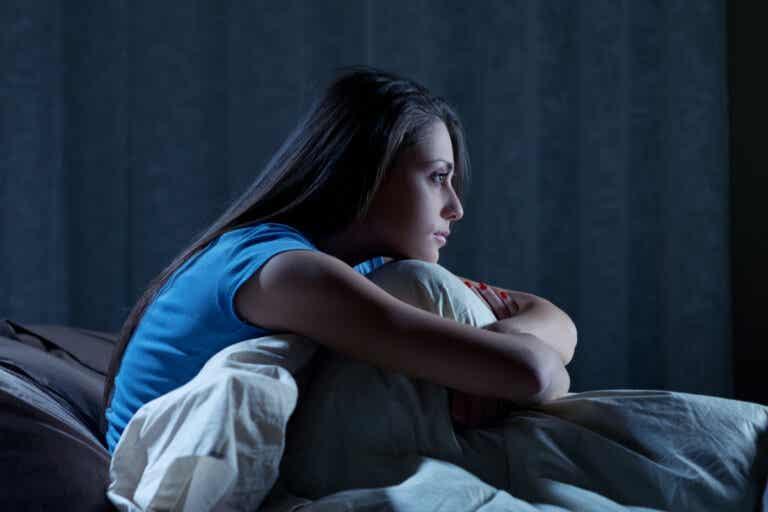¿Por qué tengo sueño, pero no puedo dormir?