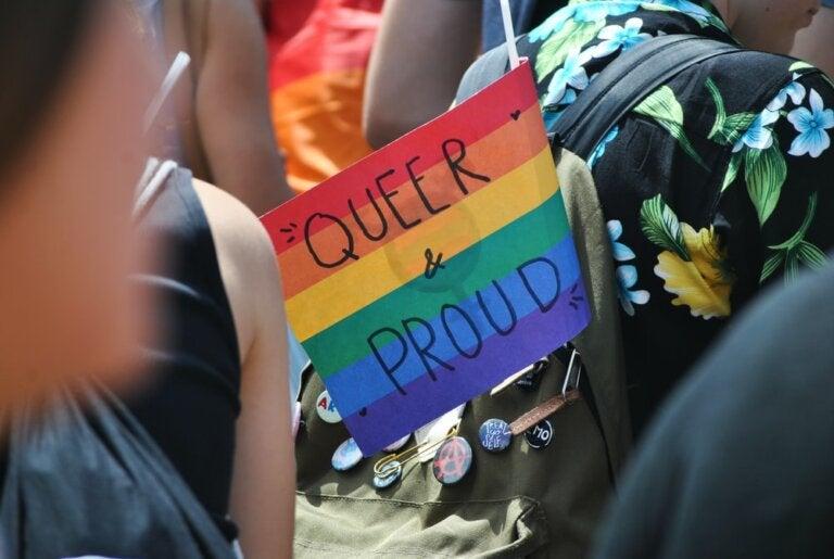 Quiso hablar sobre identidad queer en su graduación y apagaron su micrófono